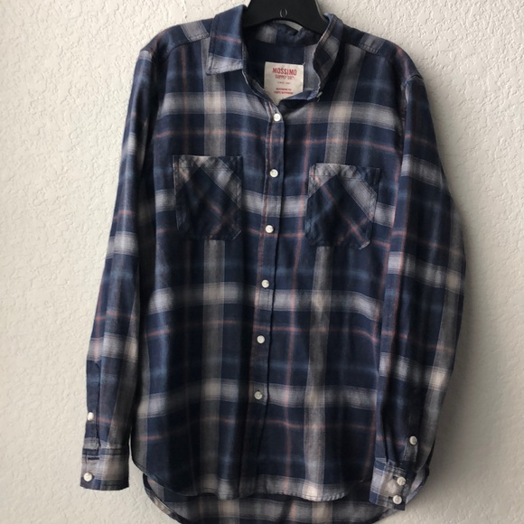 73a53cd4 Mossimo Supply Co. Tops | Like New Mossimo Boyfriend Fit Flannel ...